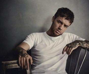 Liam Payne – Bedroom Floor